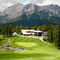 Silvertip Golf Resort features 600 feet of elevation change, including plenty of it on the par-4 18th hole ( B. Tucker )
