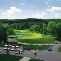 View of the finishing hole at Hockley Valley Resort